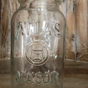 Vintage Hazel Atlas mason jar 32oz. Clear glass
